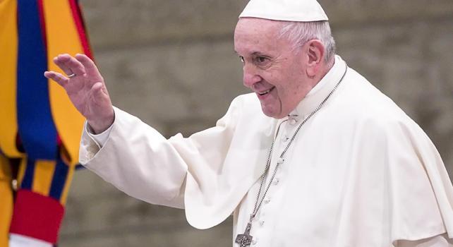 100 studiosi contro Papa Francesco: