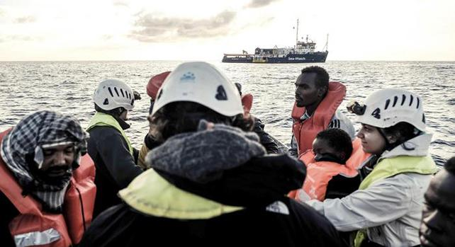 Migranti, Aquarius andrà in Spagna. Salvini esulta: