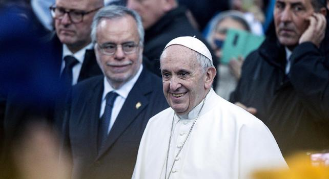 Papa:mondo è globale ma alza nuovi muri