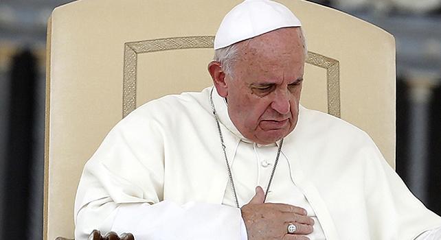 Papa: ricchezza sfacciata di pochi porta illegalità