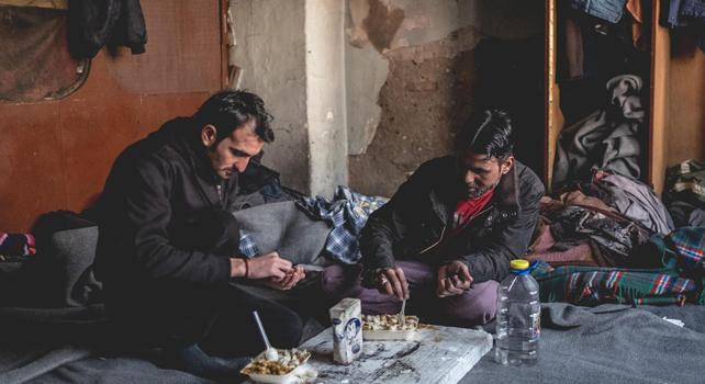 Siria: trovata fossa comune, forse fino a 200 corpi