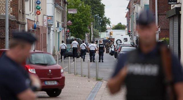 Francia, Isis diffonde video attentatori Rouen: Al Baghdadi nostro leader